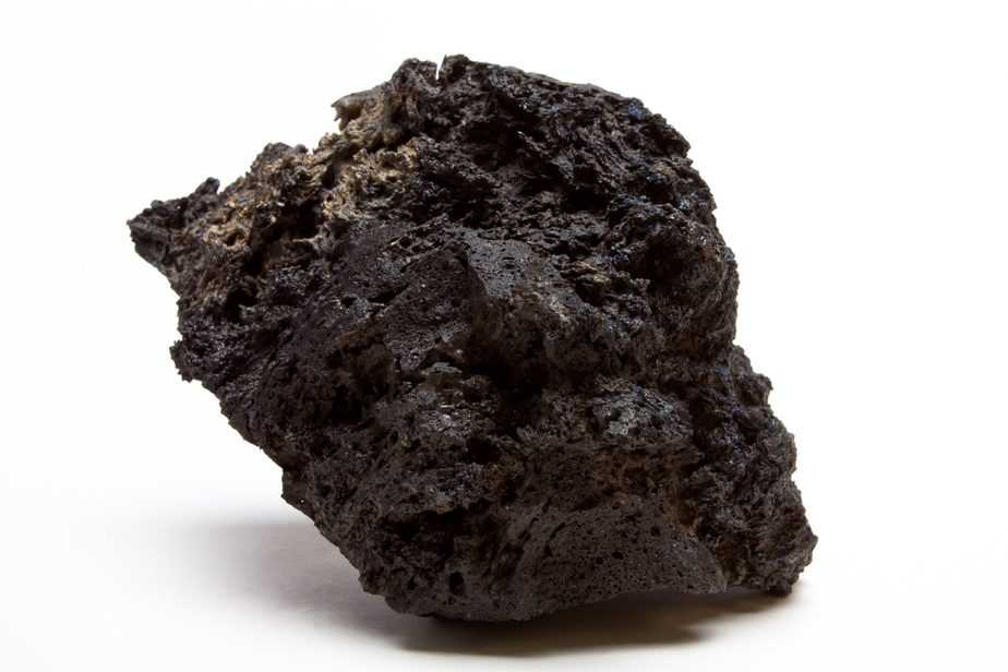 Can You Use Lava Rock in a Saltwater Aquarium? The Answer